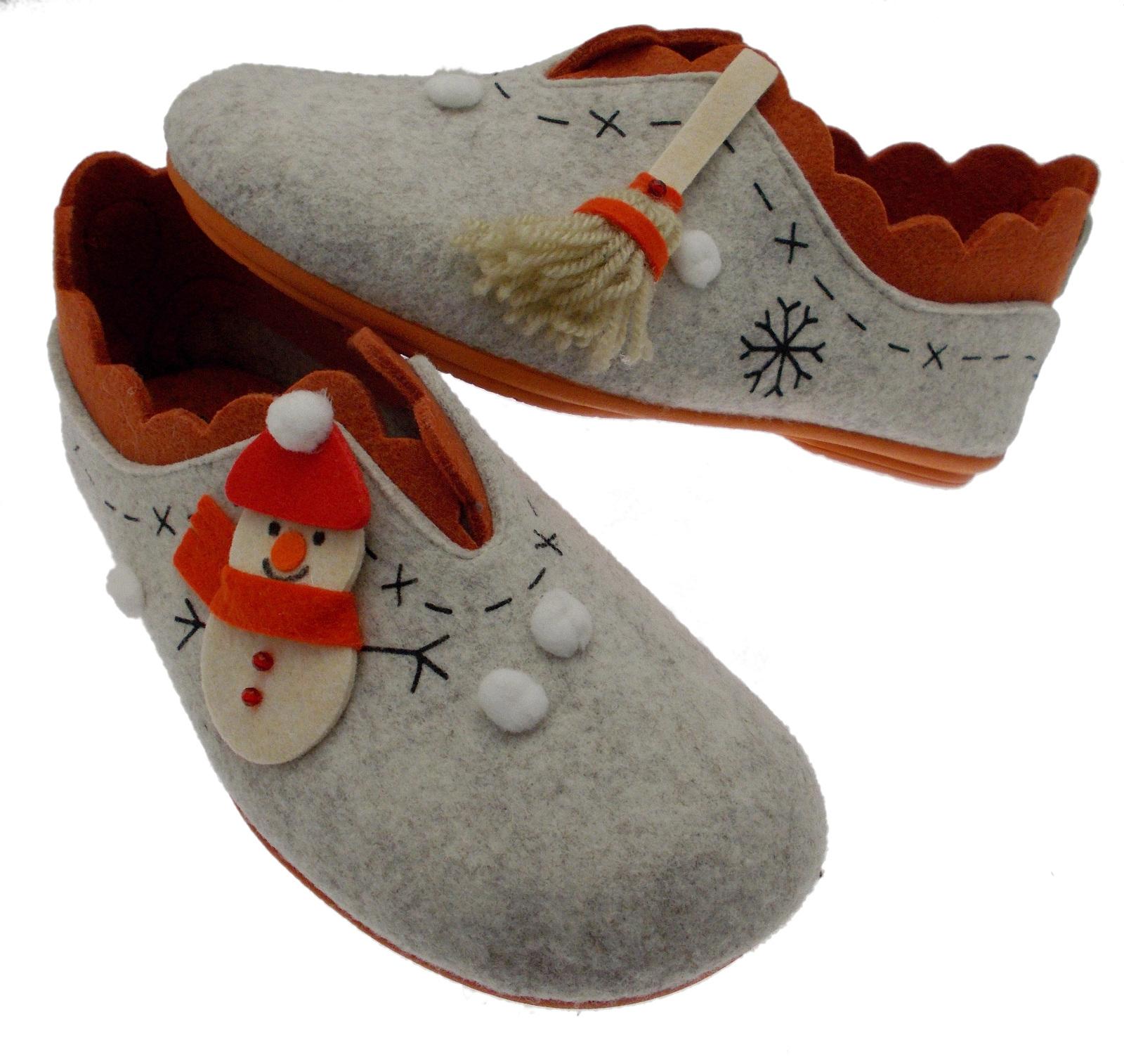 4572 pantofola beige panno fantasia snowman Riposella